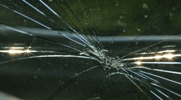 Picture of a windshield in need of serious Auto Glass Replacement in Phoenix, Az